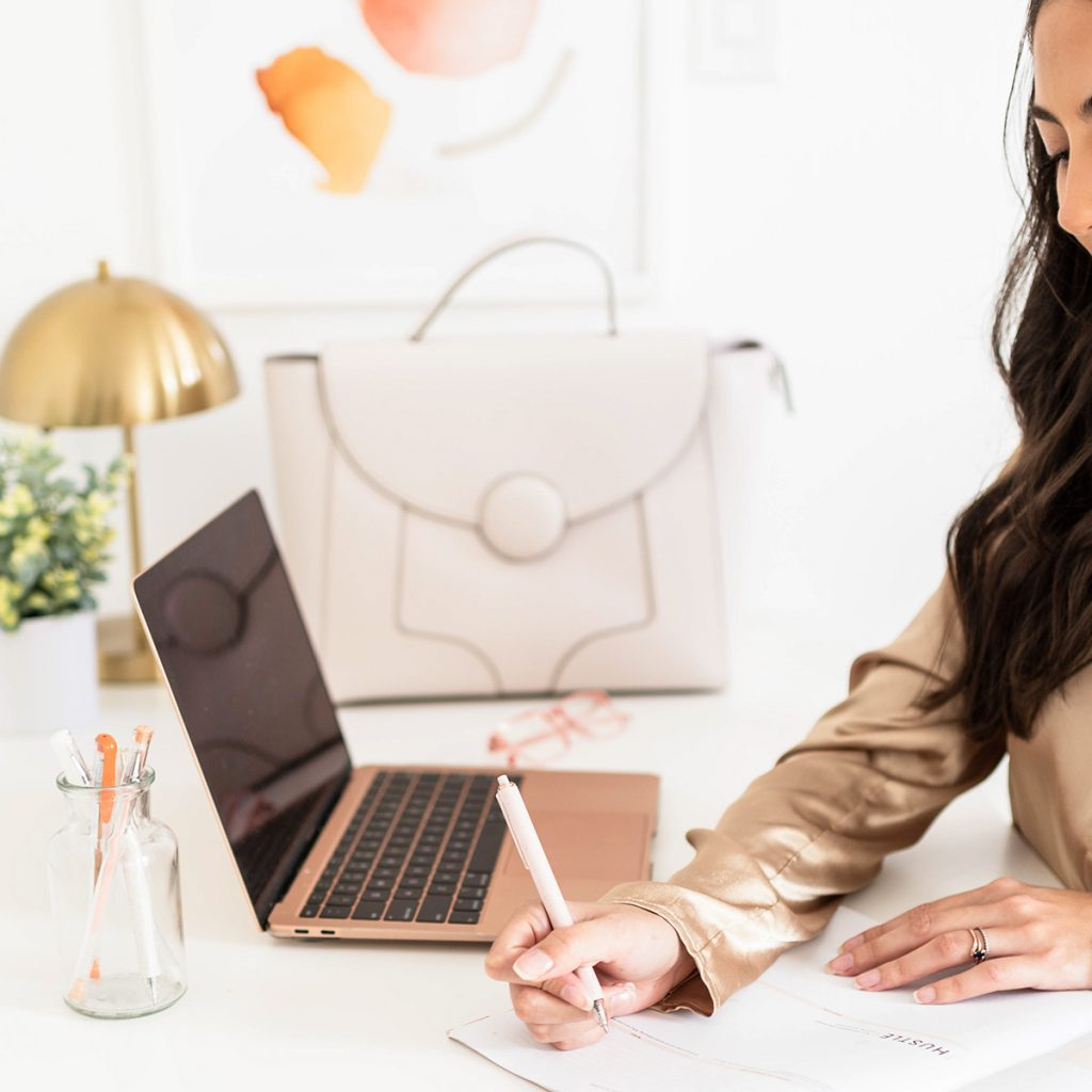 7 No-Experience Beginner Jobs At Home (Legit, Entry-Level)