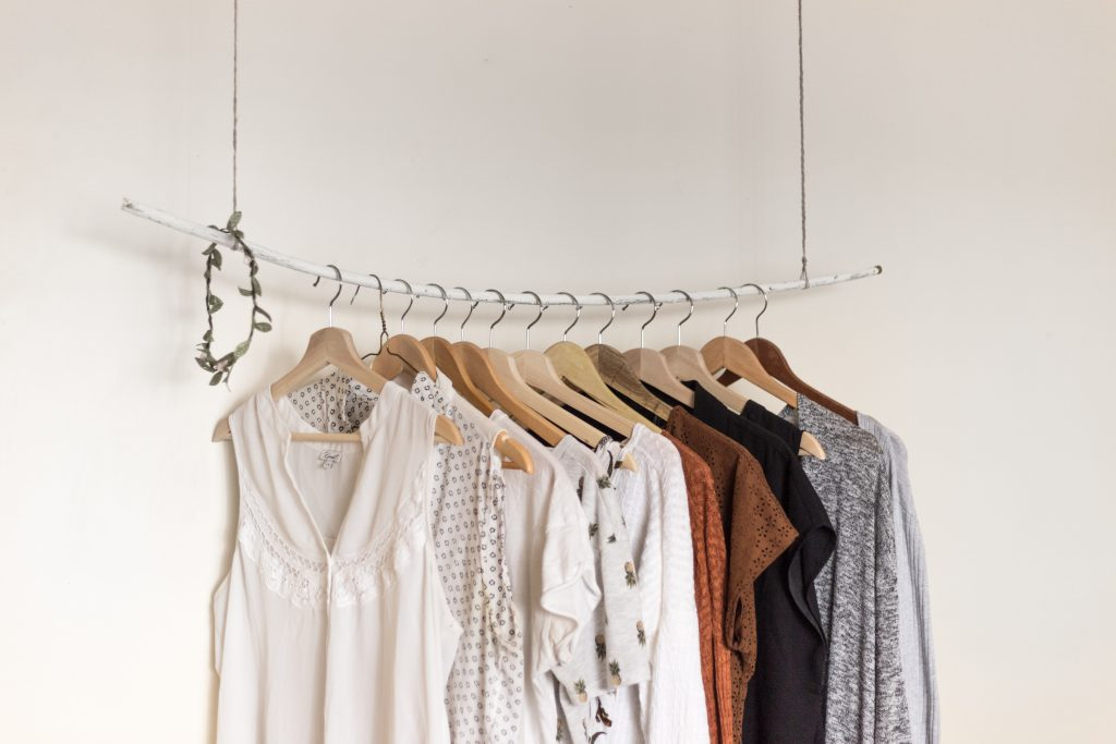 4 Apps to Sell Clothes