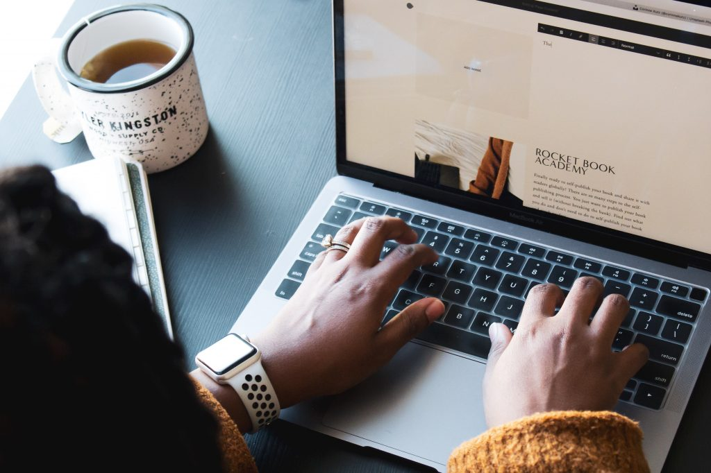 7 Unique Side Hustles for College Students